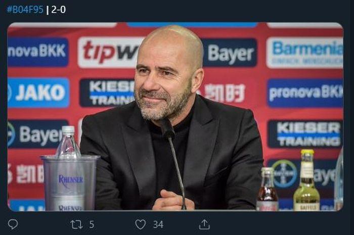 Pelatih Bayer Leverkusen, Peter Bosz.
