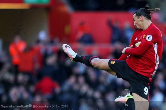 Penyerang LA Galaxy, Zlatan Ibrahimovic, mengungkap rahasia mau membela Manchester United pada waktu lalu.