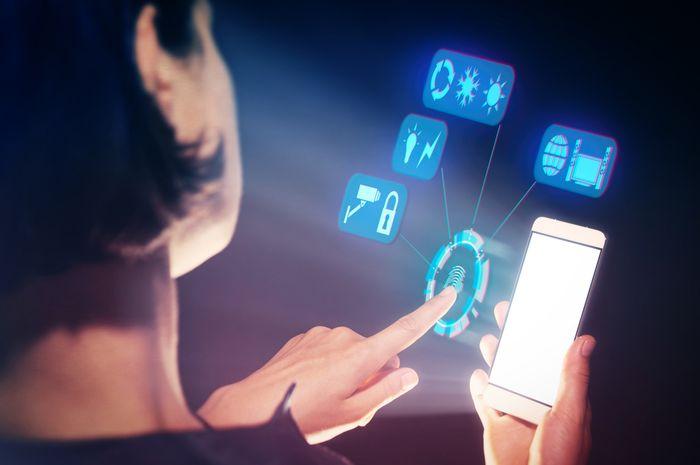 Dua sisi perkembangan teknologi. Memudahkan dan membuat kita terkadang rentan.