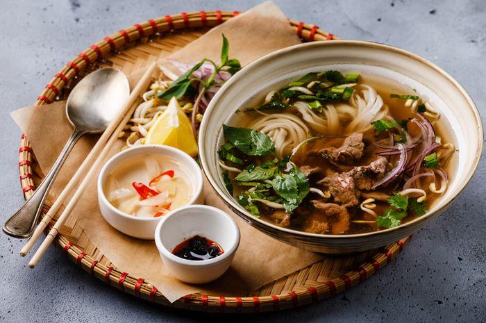 Lima Makanan Khas Vietnam Yang Lezat Dan Bisa Ditemui Di Indonesia