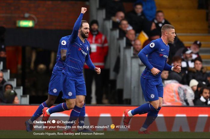 Chelsea meraih kemenangan 2-1 atas Fulham di pekan ke-29 lewat gol-gol Higuain dan Joarginho.