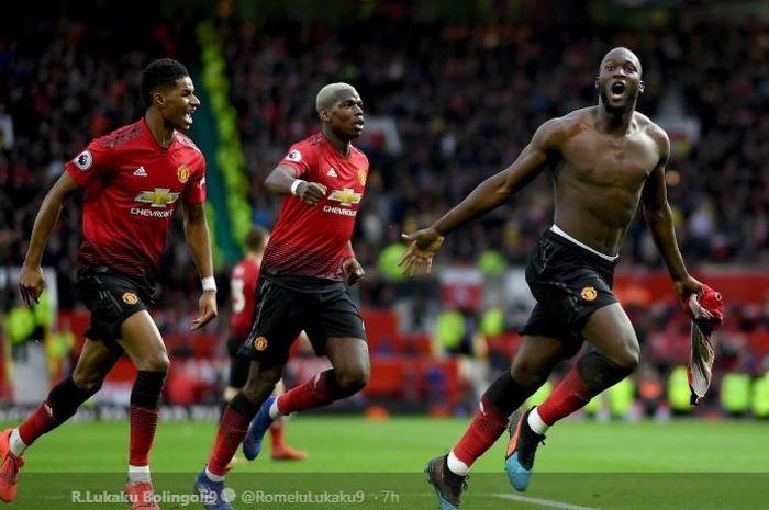 Penyerang Manchester United, Romelu Lukaku, bersama Marcus Rashford dan Paul Pogba, dalam laga pekan ke-29 Liga Inggris melawan Southampton di Stadion Old Trafford, 2 Maret 2019.