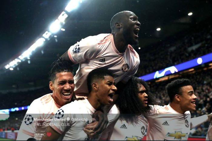 Pemain Manchester United merayakan gol Marcus Rashford.