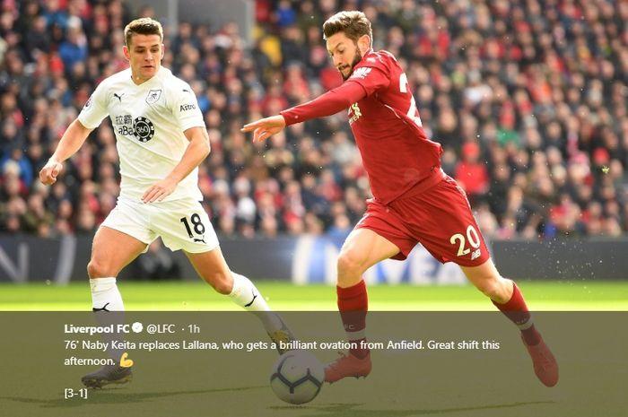 Adam Lallana saat mencoba melewati bek Burnley saat Liverpool berhasil mengalahkan Burnley di Anfield