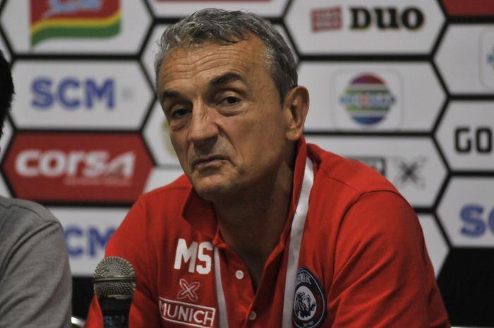 Pelatih Arema FC, Milomir Seslija, dibuat pusing dengan absennya beberapa pilar penting menjelang laga melawan Persita Tangerang di Piala Presiden 2019.