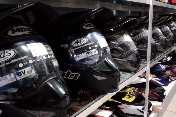 Biaya jasa servis helm di Bengkel Helm