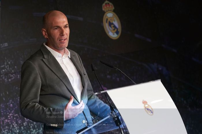 Zinedine Zidane resmi kembali sebagai pelatih Real Madrid.
