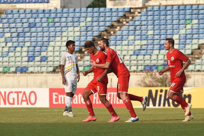 Selebrasi Bruno Matos (kiri) susai mencetak gol ke gawang Shan United pada matchday kedua Piala AFC 2019, Selasa (12/3/2019).