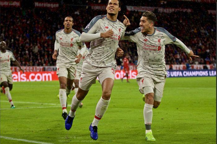 Virgil van Dijk mencetak gol Liverpool ke gawang Bayern Muenchen dalam partai Liga Champions, 13 Maret 2019.