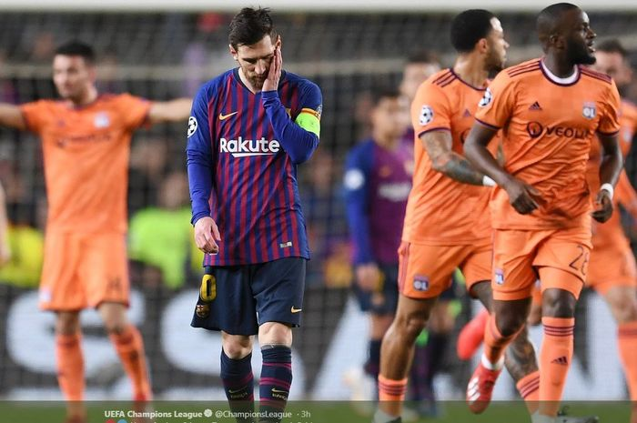 Ekspresi megabintang Barcelona, Lionel Messi, seusai Olympique Lyon mencetak gol dalam laga leg kedua babak 16 besar Liga Champions di Stadion Camp Nou, Rabu (13/3/2019).