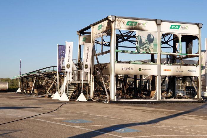 Gudang MotoE terbakar di Jerez sebelum sesi tes dimulai