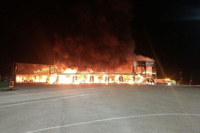 Gudang MotoE terbakar di Sirkuit Jerez, Spanyol
