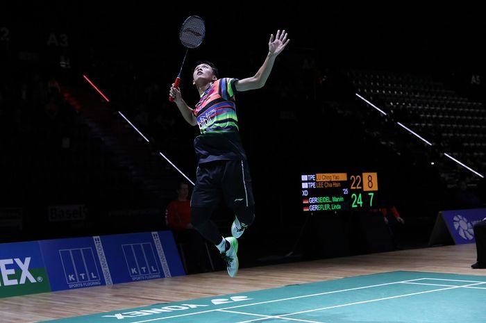 Pebulu tangkis tunggal putra Indonesia, Jonatan Christie, tampil pada babak kedua Swiss Open 2019 di St Jakobshalle, Kamis (14/3/2019).