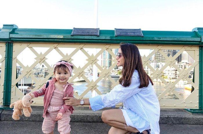 Gaya Lucu Brie Anak Acha Septriasa Saat Pertama Kali Belajar Balet