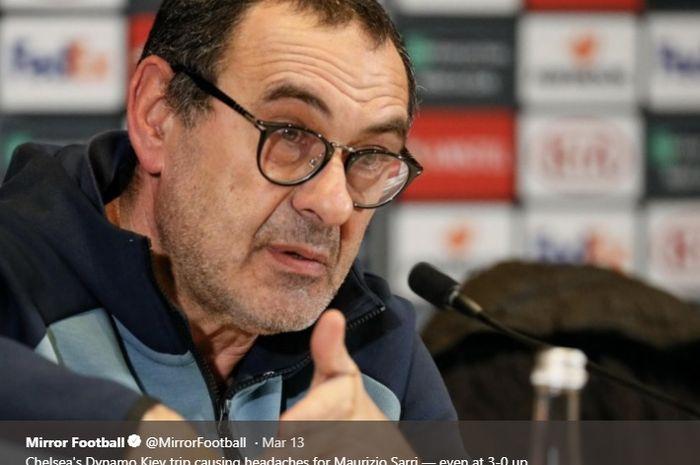 Pelatih Chelsea, Maurizio Sarri saat konferensi pers