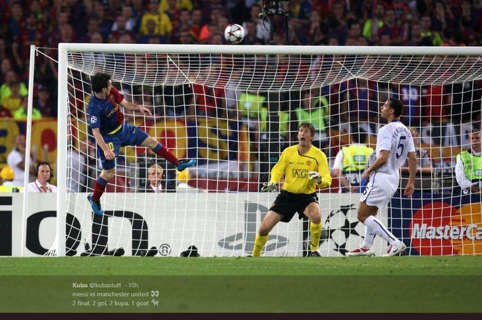 Lionel Messi mencetak gol ke gawang Manchester United di final Liga Champions 2009.