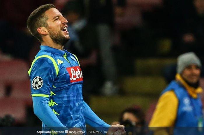 Penyerang Napoli, Dries Mertens, mematok kemenangan bagi timnya saat jumpa Arsenal pada babak perempat final Liga Europa.