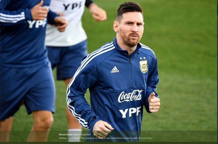 Lionel Messi menjalani latihan bareng timnas Argentina.