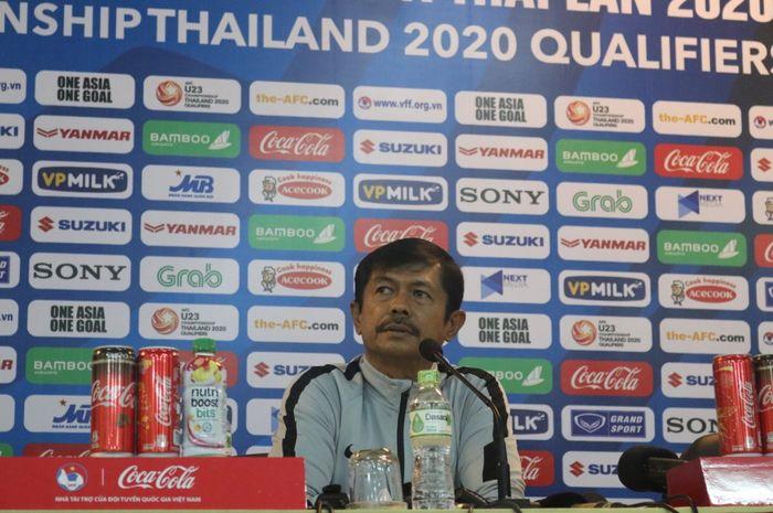 Indra Sjafri pada Konferensi Pers menjelang duel Kualifikasi Piala Asia U-23 2020 Grup K versus Thailand.