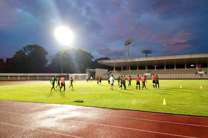 Sesi latihan timnas Indonesia di bawah komando pelatih Simon McMenemy.