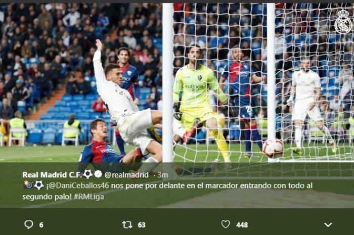 Gelandang Real Madrid, Dani Ceballos, mencetak gol ke gawang Huesca dalam partai Liga Spanyol di Estadio Santiago Bernabeu, Minggu (31/3/2019)