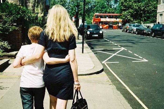 Biasanya seorang ibu mandiri akan melahirkan anak mandiri, begitu pula sebaliknya.