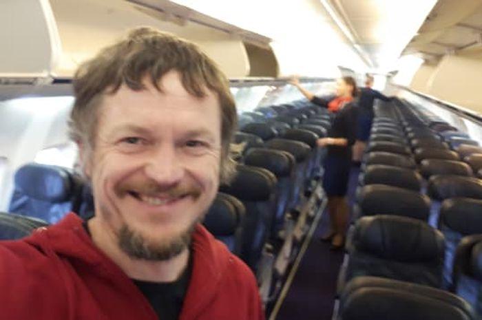 Pria ini satu-satunya penumpang di pesawat Boeing 737.