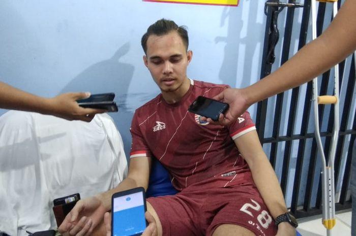 Pemain Persija, Rezaldi Hehanussa, mulai berlatih setelah menjalani operasi pada Februari lalu, Senin (8/4/2019).