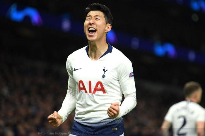 Penyerang sayap Tottenham Hotspur, Son Heung-Min, merayakan golnya ke gawang Manchester City pada leg pertama perempat final Liga Champions, Rabu (10/4/2019) di Stadion Tottenham, London.