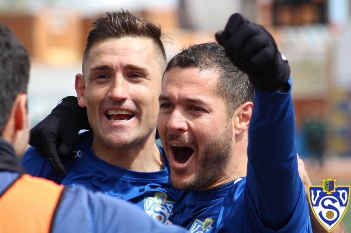 Duo striker andalan UD Socuellamos, klub kasta keempat Liga Spanyol, Juan Belencoso dan Antonio Megias (mengacungkan tangan) pada musim 2019.