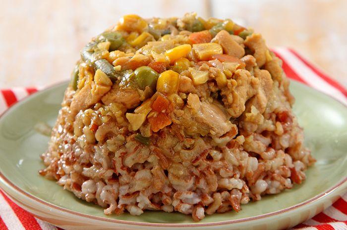 Masak Apa Besok Coba Resep Nasi Tim Merah Ayam Yang Enak
