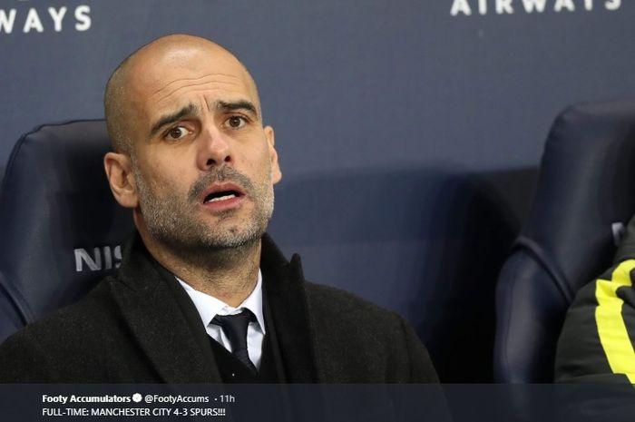 Pelatih Manchester City, Pep Guardiola tampak kecewa dengan kegagalan timnya melangkah ke semifinal Liga Champions