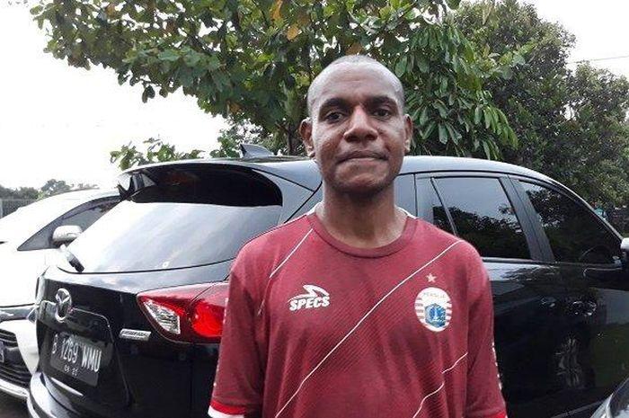 Mantan pemain Persipura Jayapura, Darnus Tabuni, mengikuti seleksi bersama Persija Jakarta