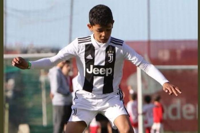 Aksi Cristiano Junior bersama tim junior Juventus.