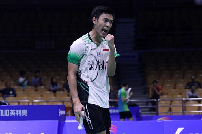 Ekspresi pemain tunggal putra Indonesia, Shesar Hiren Rhustavito, pada pertandingan babak pertama Kejuaraan Asia 2019 di Wuhan Sports Center, China, Rabu (24/4/2019).