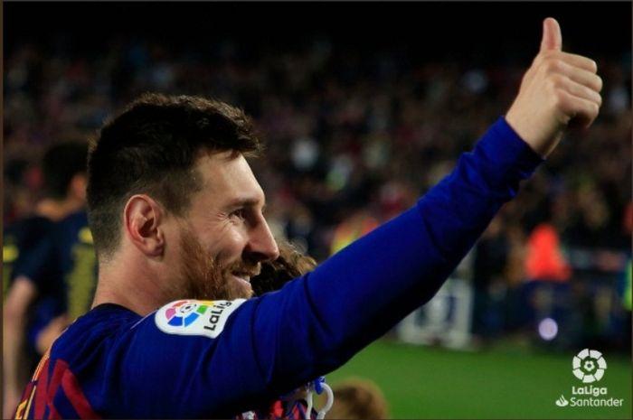 Lionel Messi merayakan gelar juara Liga Spanyol 2018-2019 bersama Barcelona.
