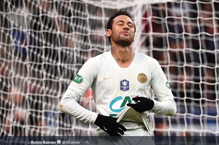 Megabintang Paris Saint-Germain, Neymar Jr, dalam laga final Piala Prancis, Sabtu (27/4/2019) di Stade de France, Paris.