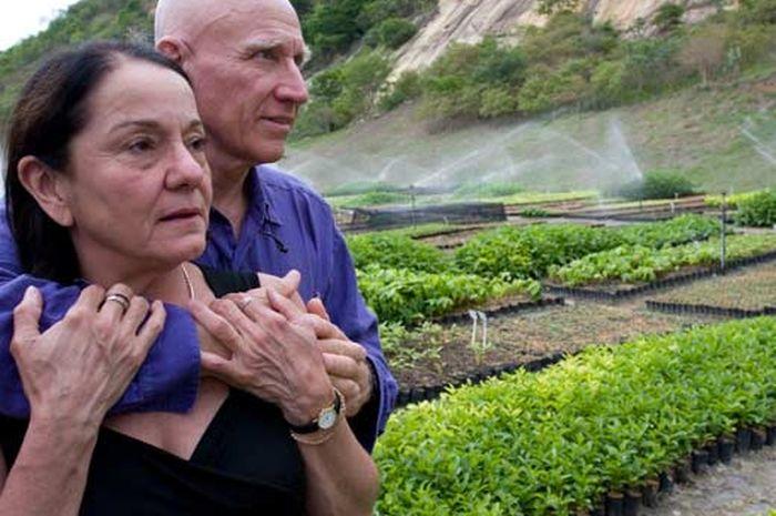 Sebastião Salgado dan Lélia Deluiz Wanick Salgado.