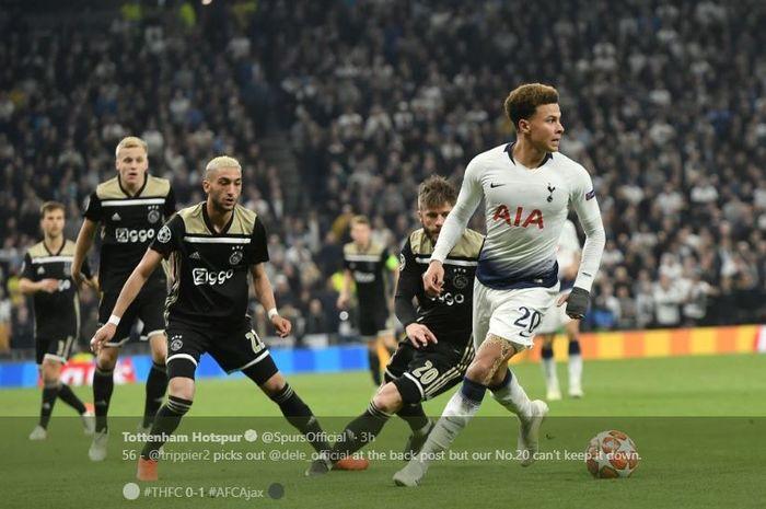 Gelandang Tottenham Hotspur, Dele Alli, menggiring bola pada leg I semifinal Liga Champions kontra Ajax Amsterdam di Tottenham Hotspur Stadium, 30 April 2019.
