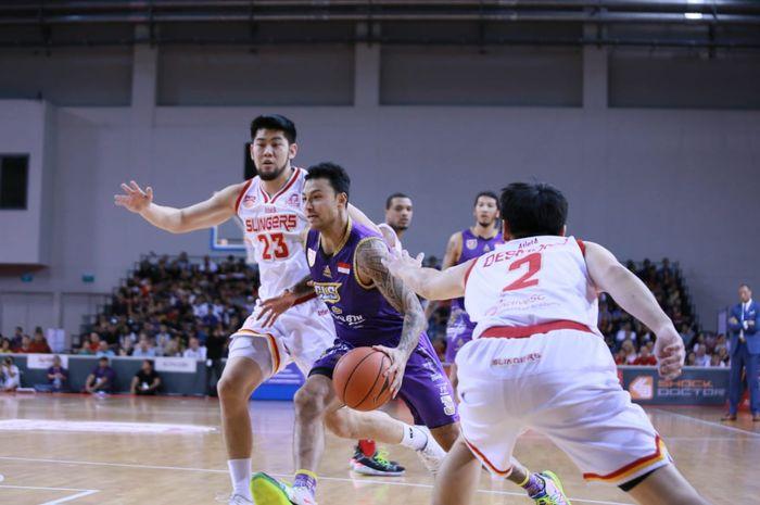 Pertandingan kedua laga final Asean Basketball League antara CLS Knights dan Singapore Slingers di OCBC Arena, Singapura, Minggu (5/5/2019).