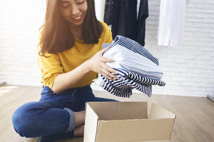 Pertumbuhan mode dan tren busana yang cepat telah menimbulkan dampak limbah tekstil. Bertukar baju antarwarga kota menjadi salah satu solusi memperlambat laju limbah tersebut.