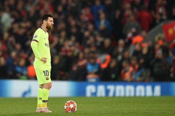 Ekspresi penyerang Barcelona Lionel Messi setelah tim lawan, Liverpool, meraih gol keempat pada leg kedua semifinal Liga Champions di Stadion Anfield, Selasa (7/5/2019) atau Rabu dini hari Wib. Liverpool menang besar atas Barcelona dengan skor 4-0 dan membuat 'The Reds' berhak lolos ke final dengan