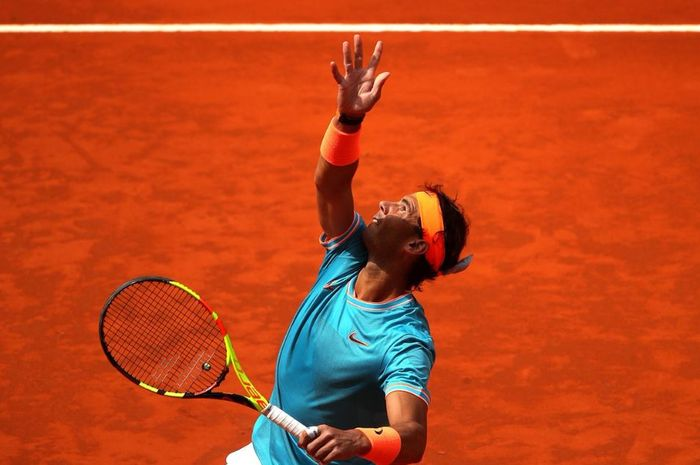 Rafael Nadal saat bertanding melawan Felix Auger-Aliassime pada turnamen Madrid Open 2019, Rabu (8/5/2019)