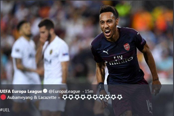 Striker Arsenal, Pierre-Emerick Aubameyang, berselebrasi seusai menjebol gawnag Valencia di Stadion Mestalla, Kamis (9/5/2019)