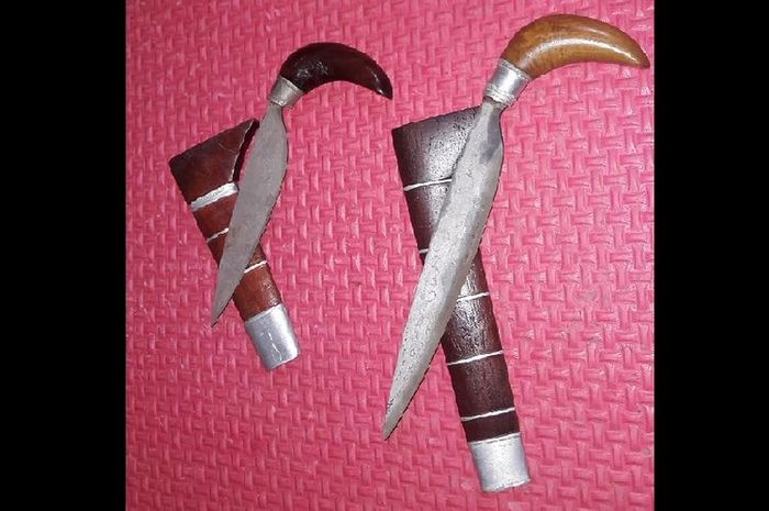 Badik yang digunakan dalam ritual Sigajang Laleng Lipa