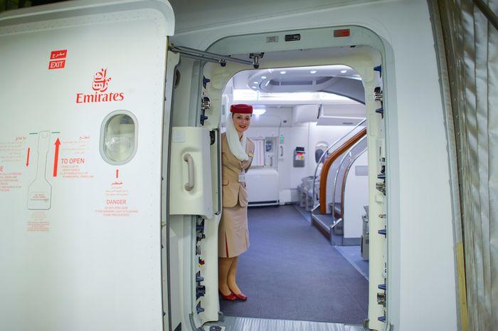 Pramugari di Emirates Airlines.