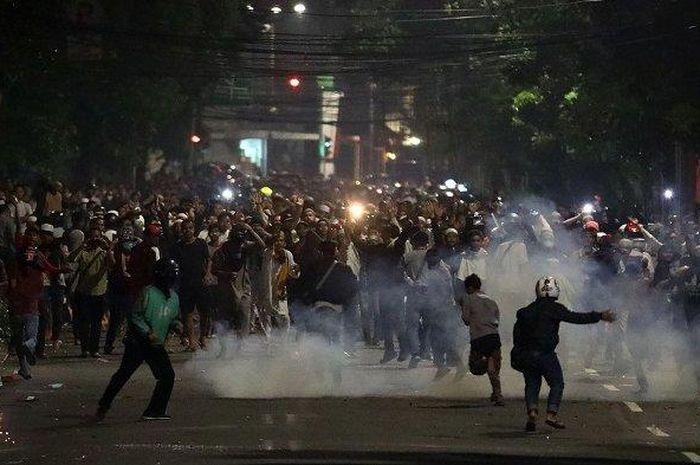 Hasil gambar untuk aksi massa 22 mei malam