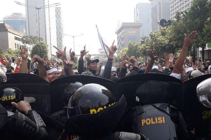 Aksi massa di Sarinah.