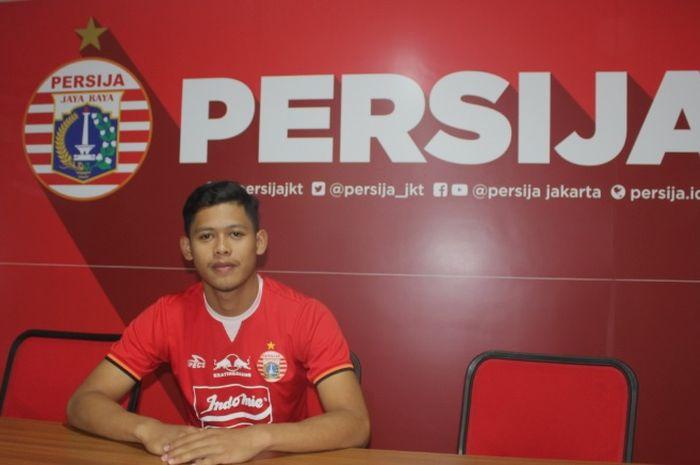 eks pemain Persib Bandung U-17, Taufik Hidayat, resmi berseragam Persija Jakarta