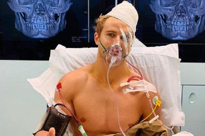 Sage Northcutt, petarung UFC asal Amerik Serikat yang KO dalam 9 detik dan harus menjalani operasi serius.